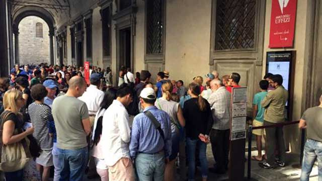 Colas de acceso a la Galería Uffizi