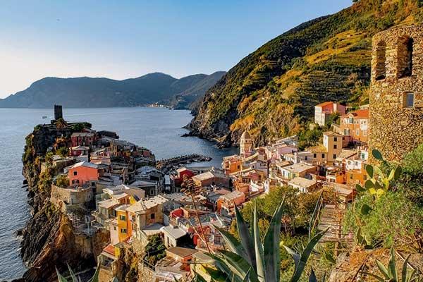 Ruta por Cinque Terre en la Riviera italiana